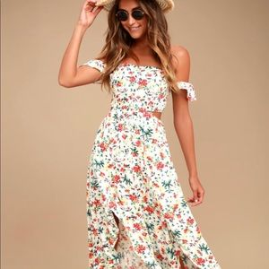 Lulus maxi floral dress